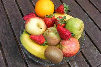 Aperitivi e dessert, nemici della linea ma anche della salute dentale